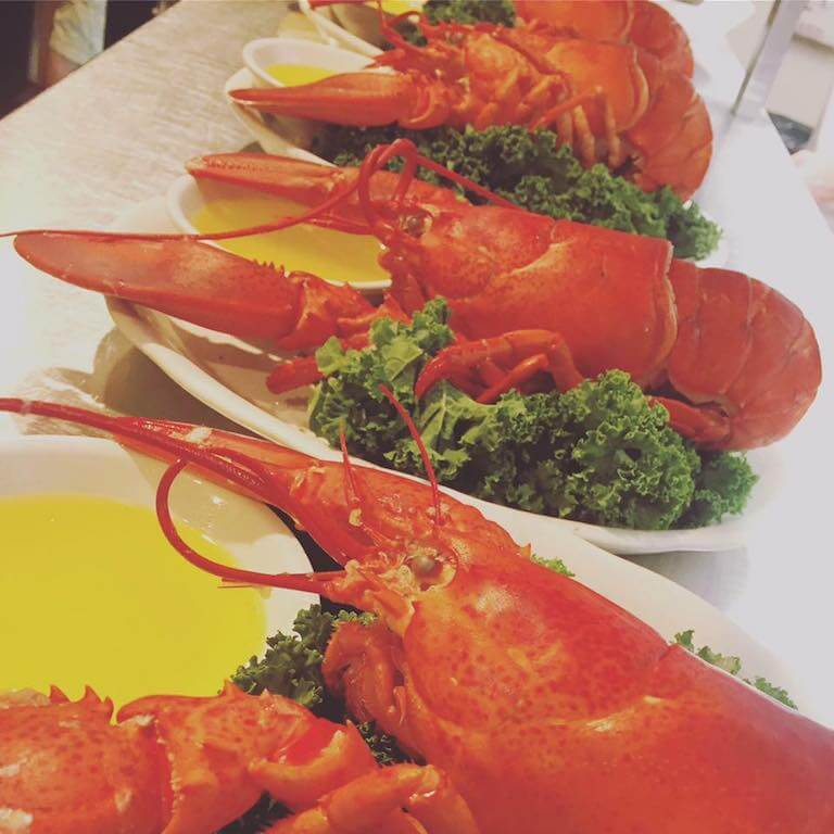 steamed lobsters with butter places to eat in Cape Cod