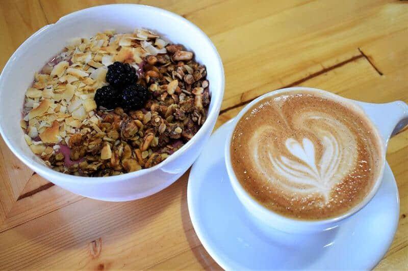 smoothie bowl with coffee best Bismarck restaurants