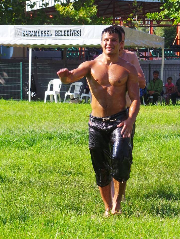 turkish oil wrestler entering the field