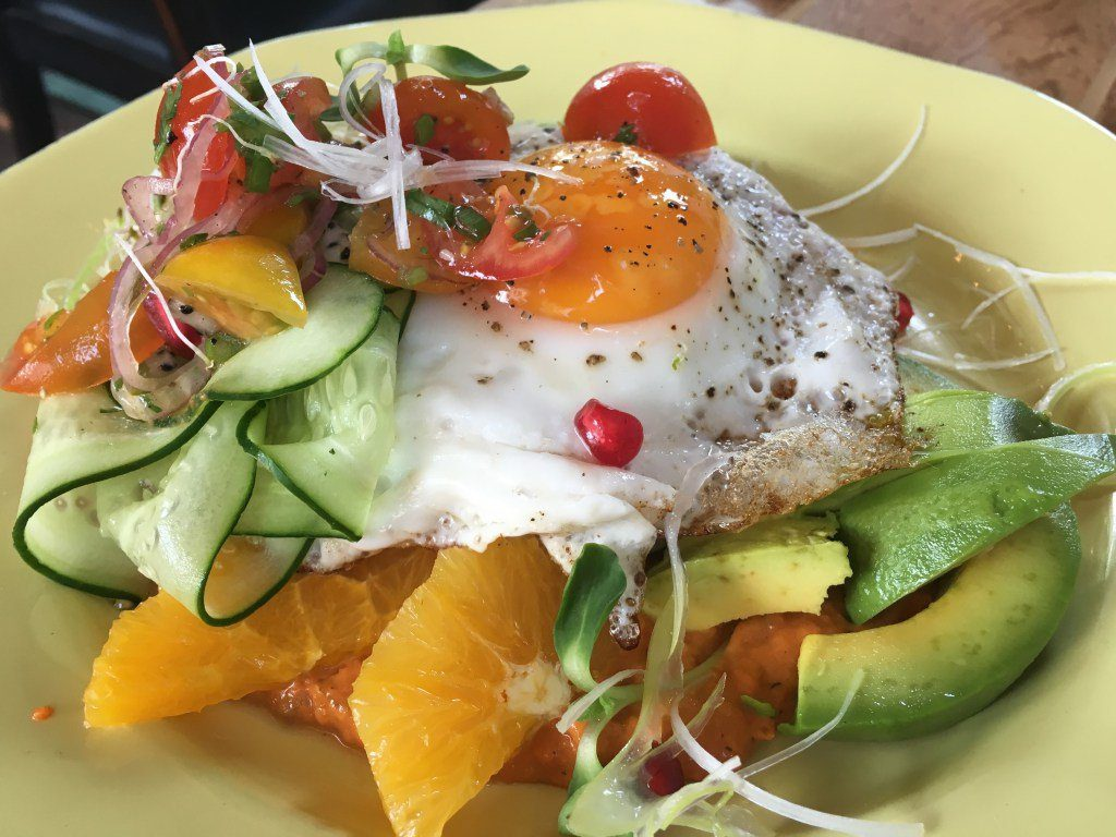 Chiang Mai is a city famous for food - it's literally a foodie paradise. Click the picture to see over 30 amazing brunch dishes