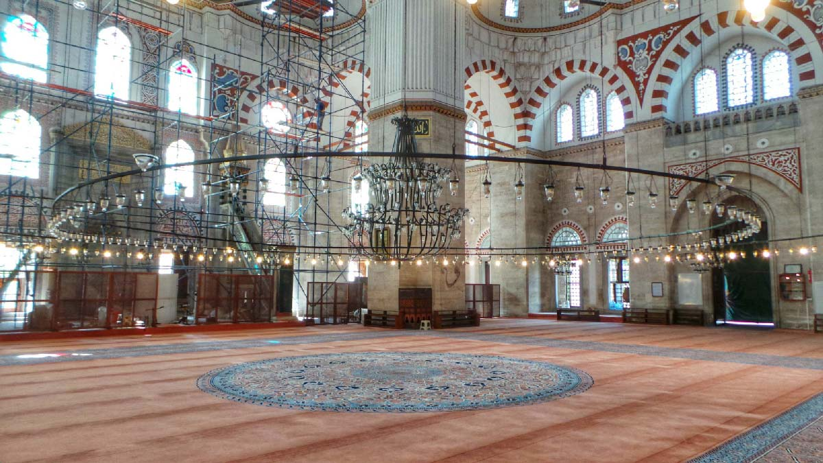 See the sights of Istanbul with me and Serif Yenin. Find some great food and some great attractions you may not have known about!