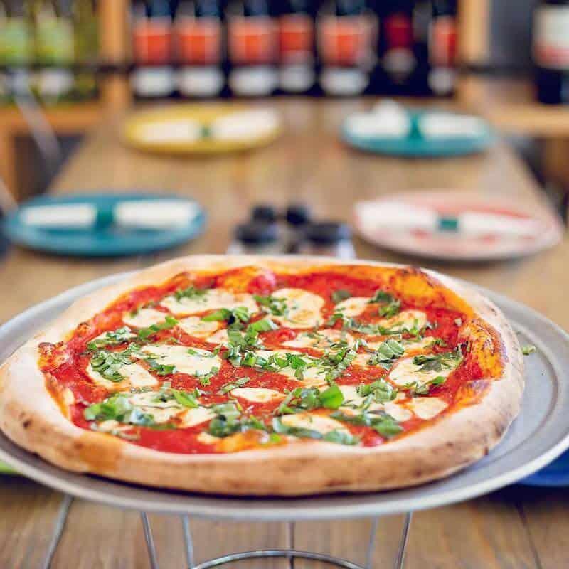 Amelia Island pizza restaurant