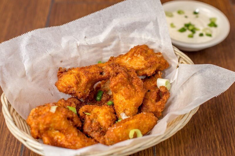 hot wings and ranch dressing