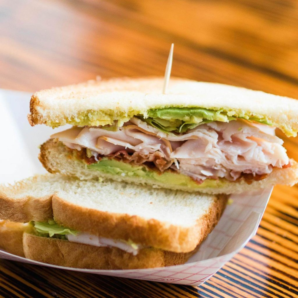turkey sandwich with bacon