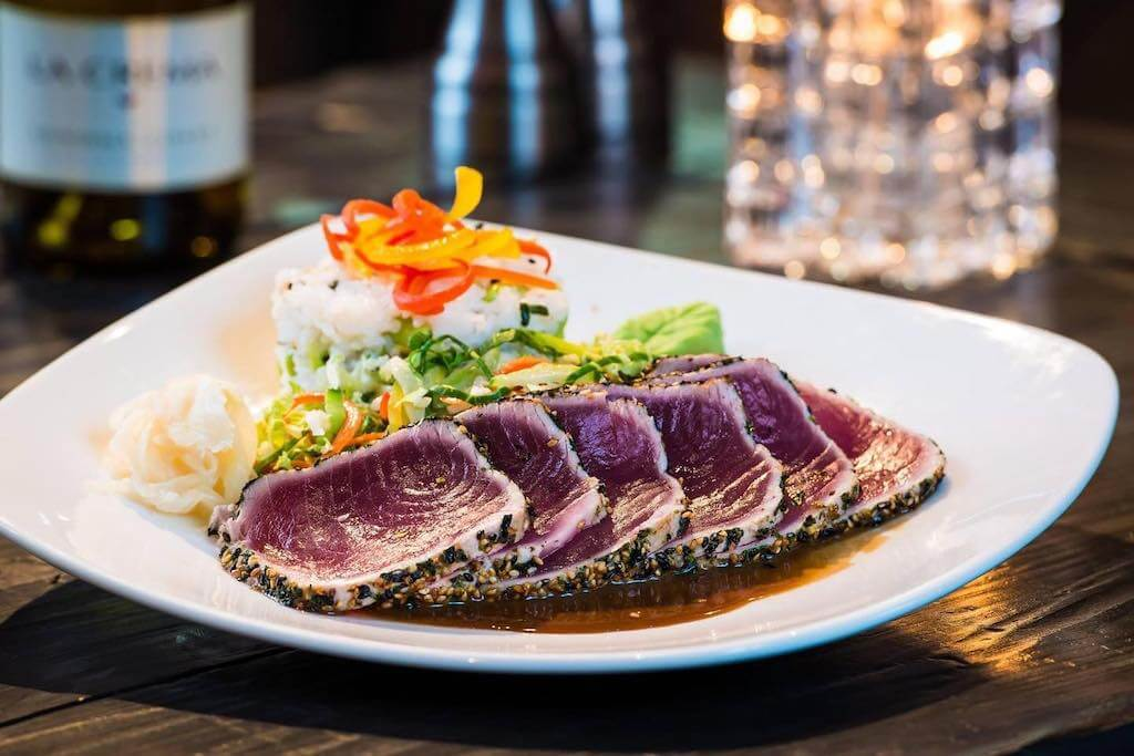 ahi tuna with rice and vegetables