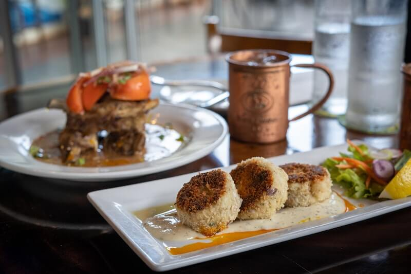 crab cakes and a Moscow Mule