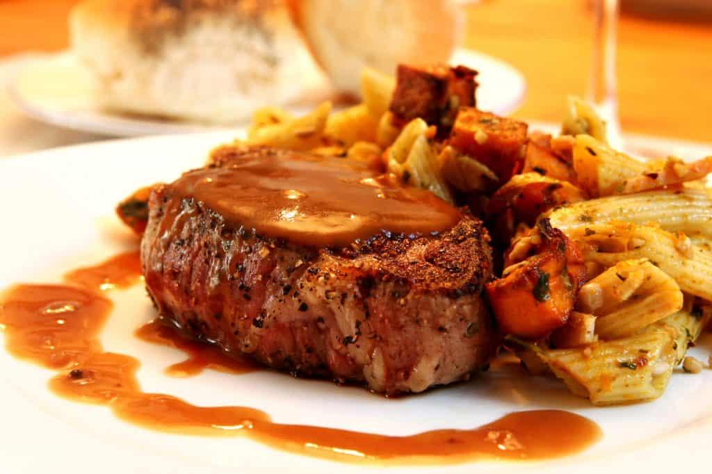 13 Must-Try La Paz Restaurants: Filet Mignon