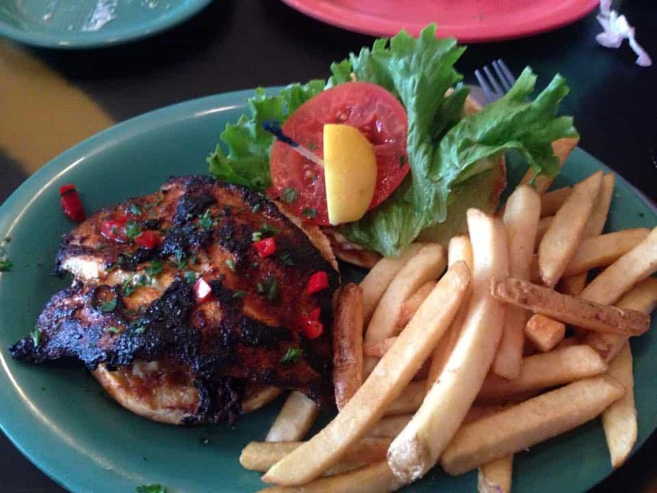 6 Must-Try Restaurants in Indian Rocks:   Blackened Mahi Mahi