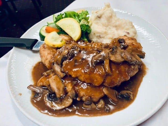 15 Must-Try Sanibel Island Restaurants: