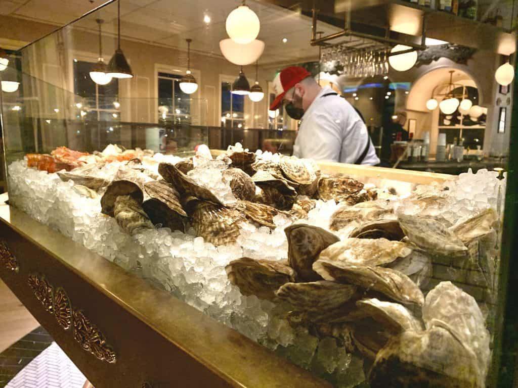 7 Must-Try D.C. Navy Yard Restaurants:   Line Raw Bar