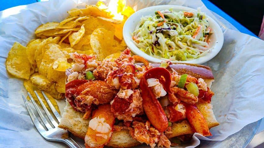 Best Half Moon Bay Coastside Restaurants: Restaurants Lobster Roll