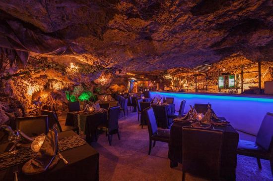 16 Best Things To do In Playa Del Carmen: Alux Restaurant
