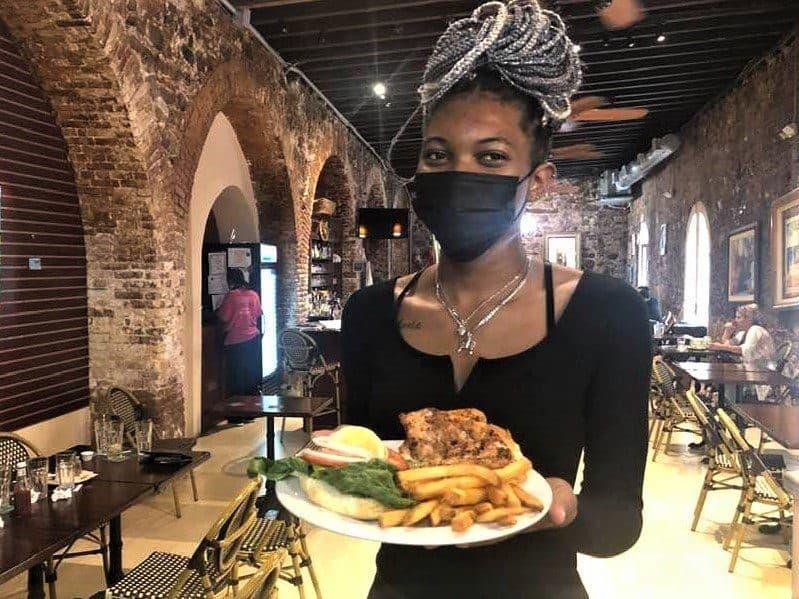 7 Best St. Thomas Restaurants: Gladys' Café