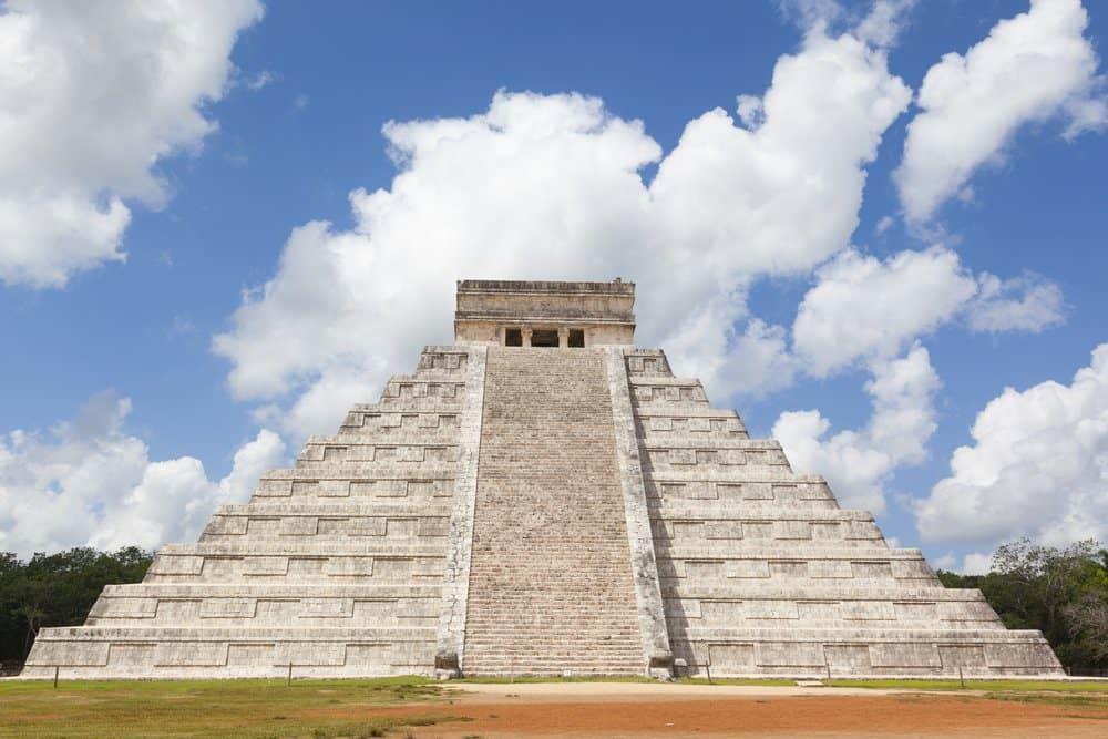16 Best Things To do In Playa Del Carmen: Temple of Chichen Itza