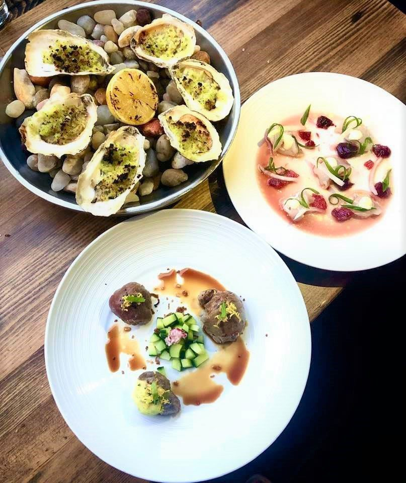 """8 Must-Try Downtown Charleston Restaurants: Local Crudo, Charcoal-Grilled Oysters and Umami Tuna """"Bombs"""""""