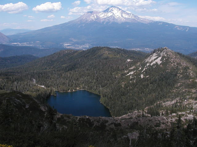 5 Best Things To Do In Dunsmuir CA: Castle Lake