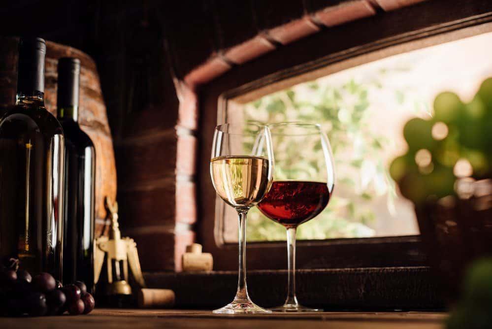 Things To Do In Laguna Beach: Wine Tasting